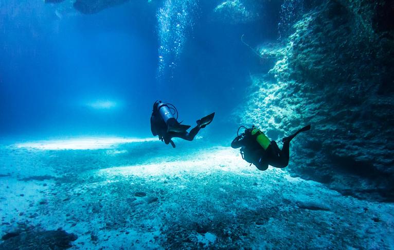 Cave Diving in Eua