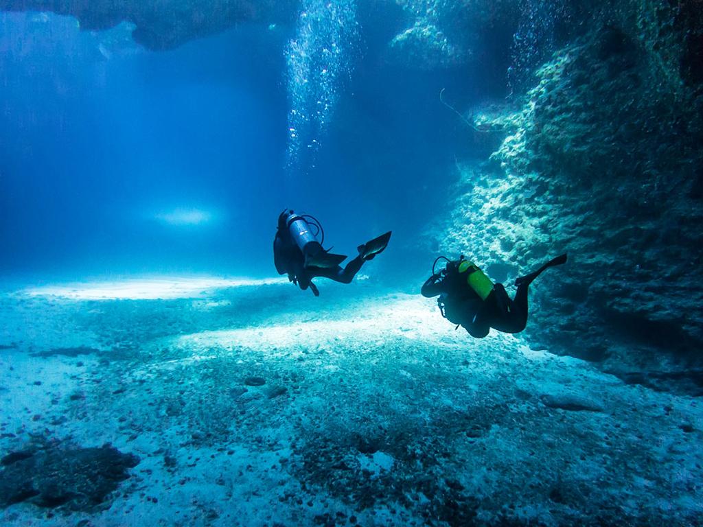Eua Island Cave Dive - Jones Travel