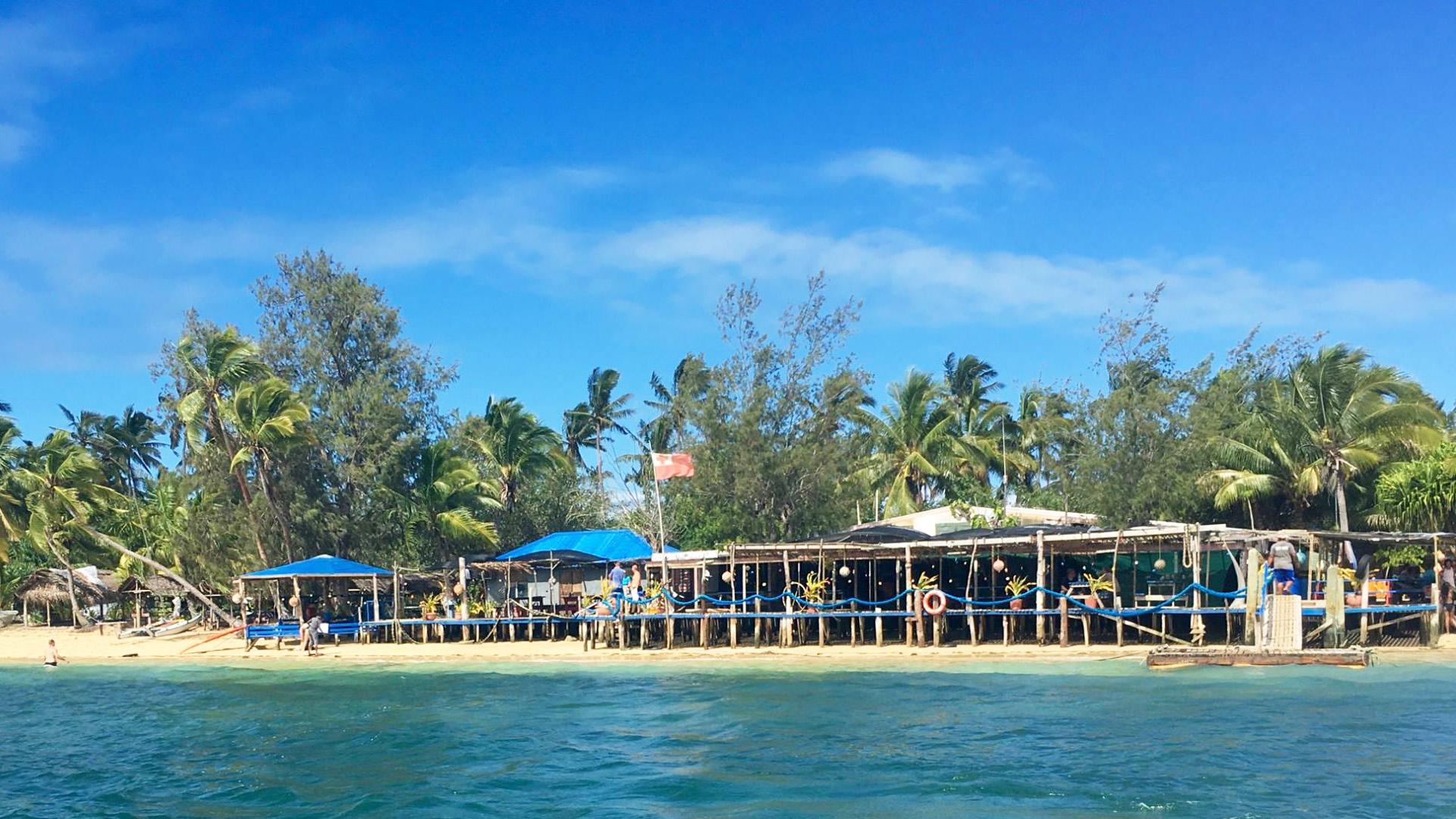 Pangaimotu - Tonga Tours & Beach Accommodations