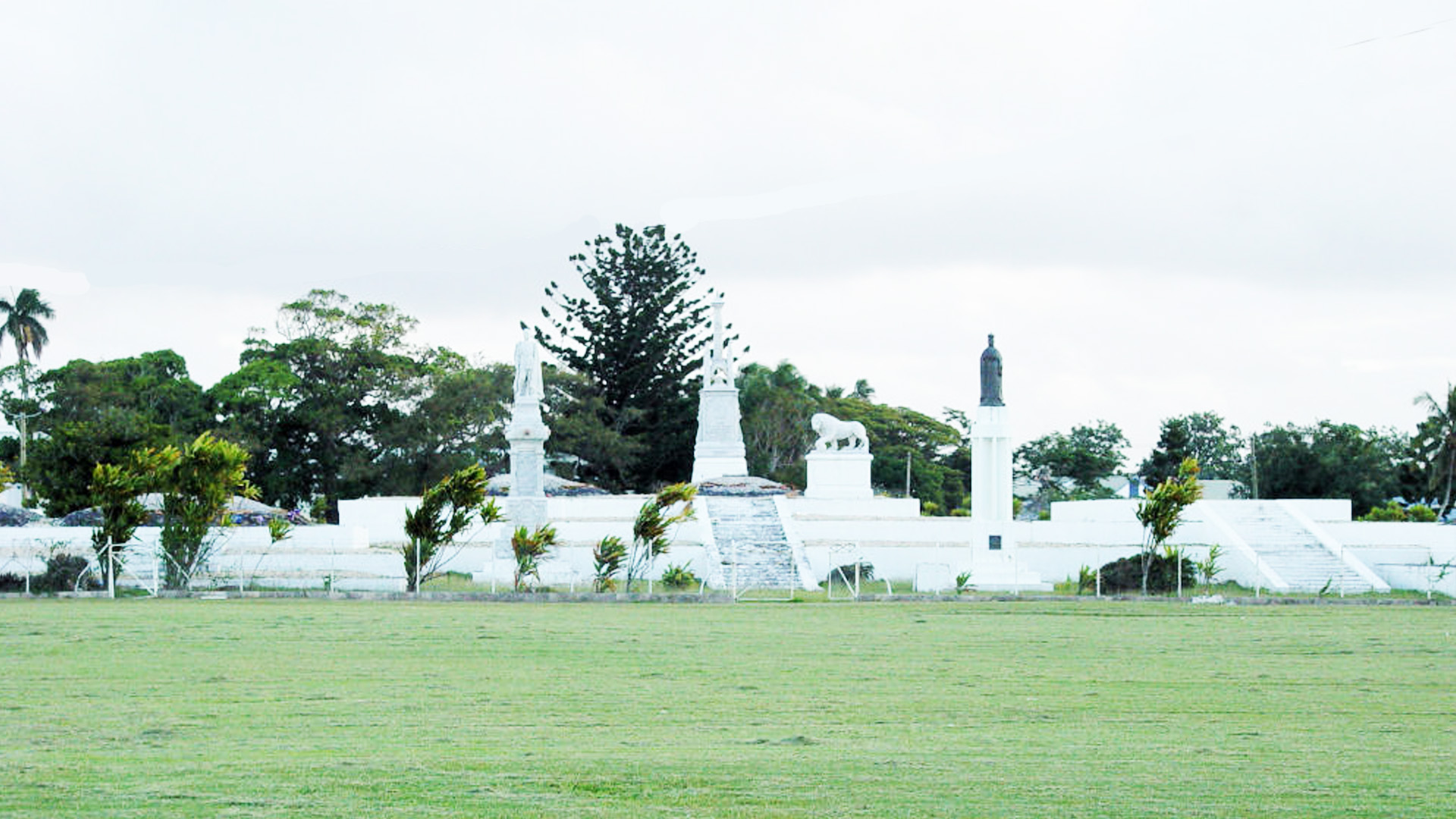 Royal Tomb - Tonga Historic Tours
